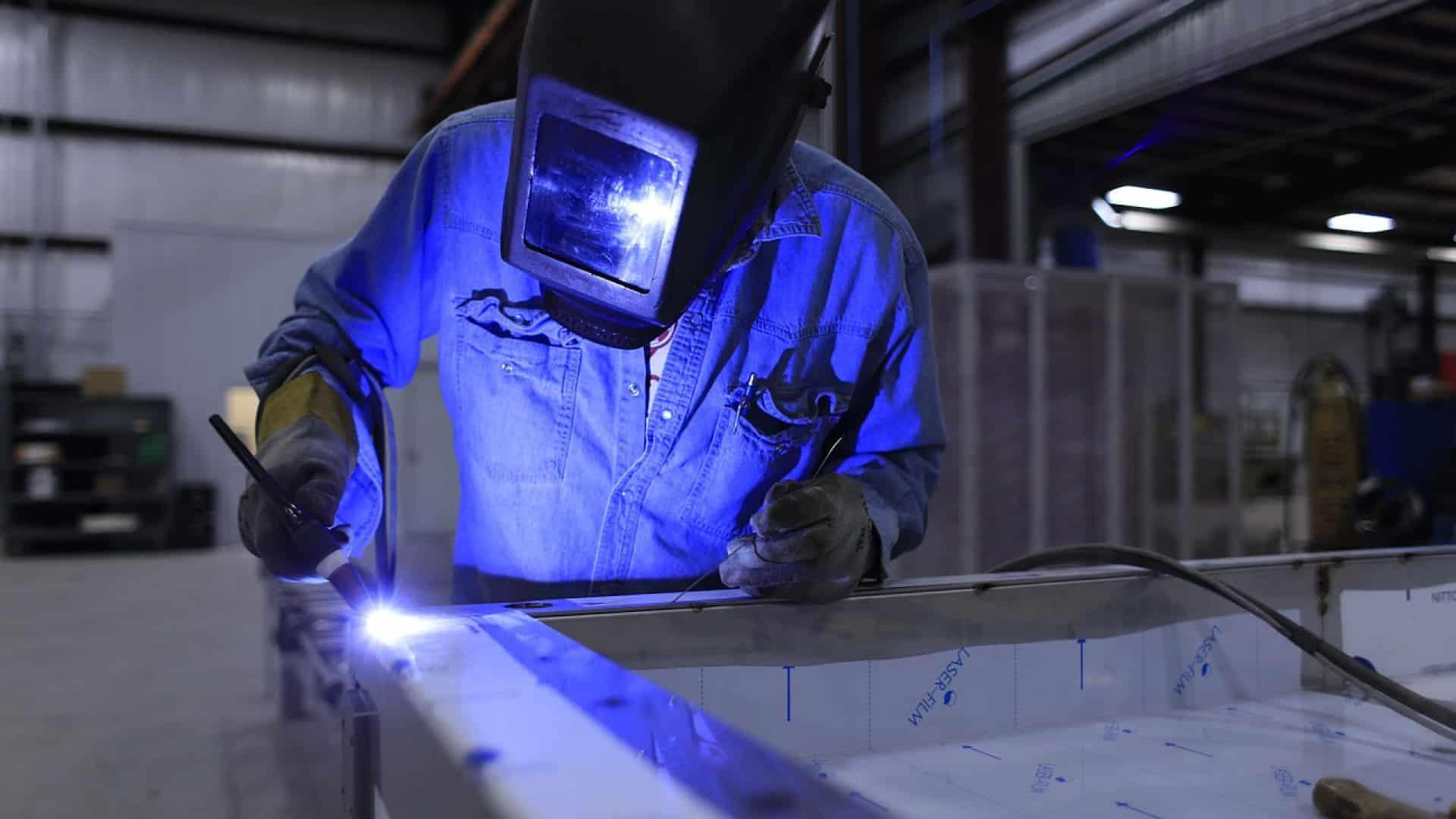 Pourquoi choisir le métier de métallier-soudeur?