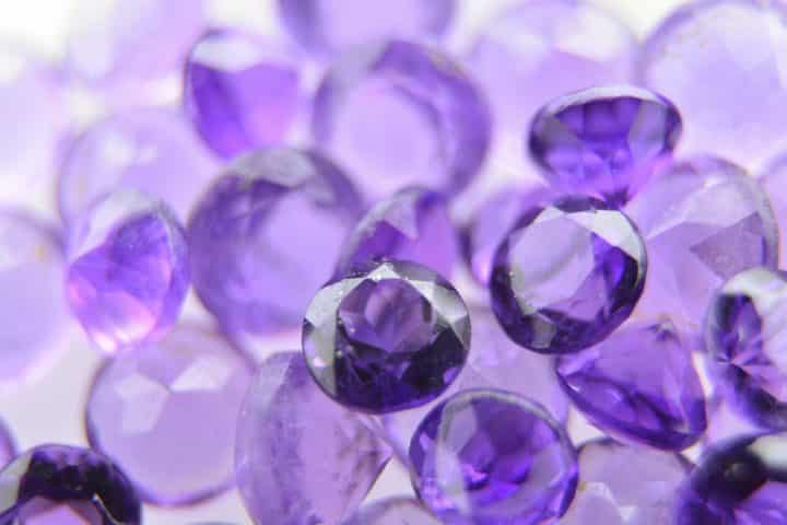 Découverte du métier de grossiste de bijoux en pierres naturelles et bijoux de lithothérapie