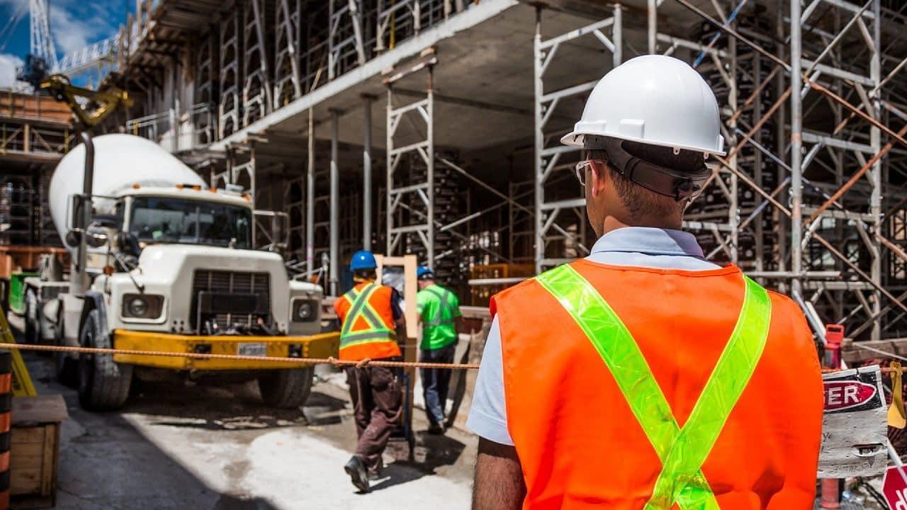 Entreprises, 3 bonnes raisons de miser sur une application de suivi du personnel sur chantier