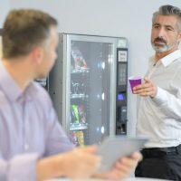 Pause-café en entreprise : pourquoi et comment valoriser ce moment de détente ?