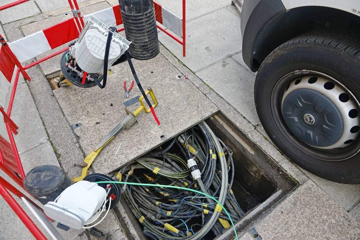 déploiement cables fibre optique